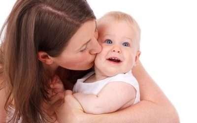 Posturas y técnicas para calmar el llanto del bebé