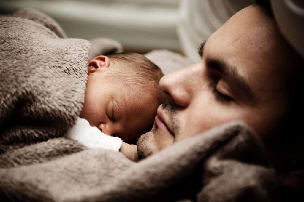Dormir con el bebé: hacer colecho seguro   Mujer y MADRE hoy