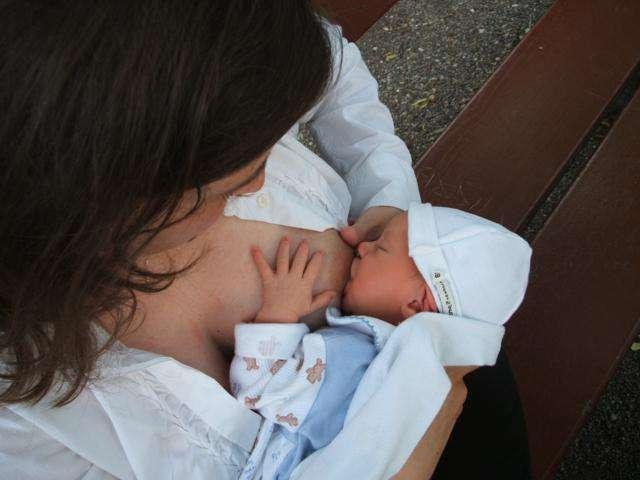 La leche materna contiene hongos que pueden ser beneficiosos para el bebé
