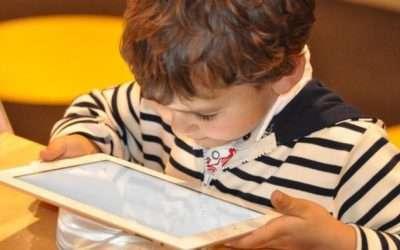 Síntomas que pueden indicar que tu hijo no ve bien