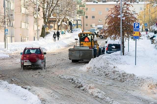 coche en la nieve frio
