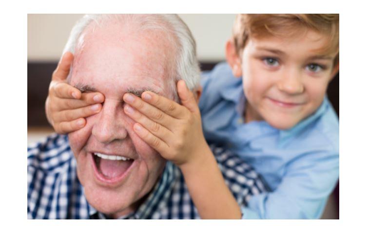 Cuidar ocasionalmente de los nietos alarga la vida
