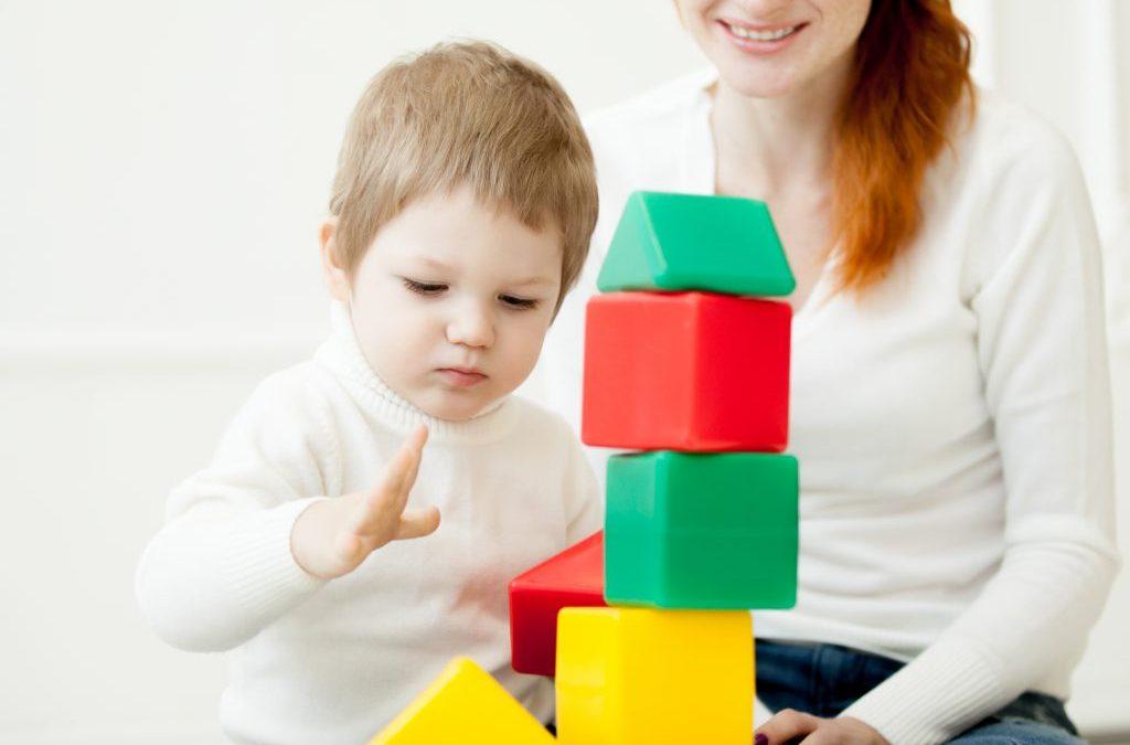 Consejos para elegir una cuidadora  para tu bebé
