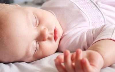 Sueño: Cómo ayudar al recién nacido a distinguir el día de la noche