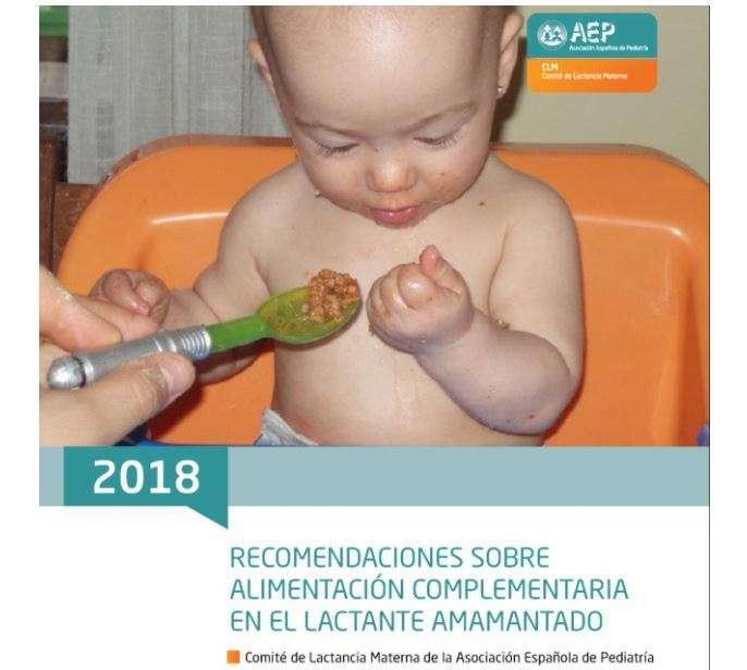 La AEP está actualizando las recomendaciones sobre alimentación complementaria en los bebés que toman el pecho