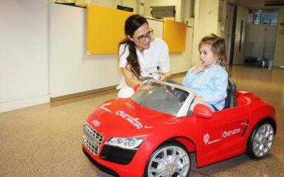 Coches teledirigidos para llevar a los niños al quirófano