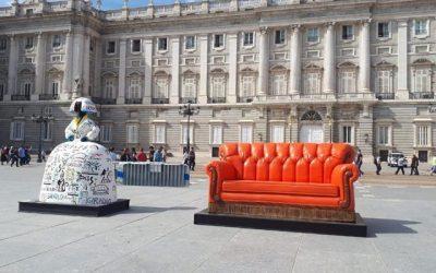 El mítico sillón de Friends llega a Madrid