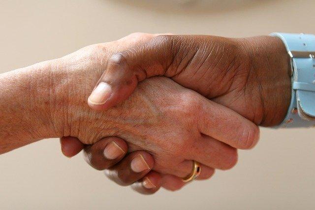 ayudas discapacidad solidaridad trato