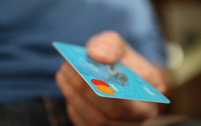 Barcelona saca una tarjeta monedero para todas las ayudas sociales