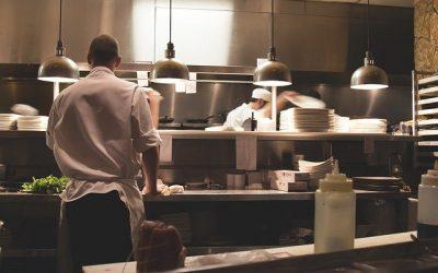Guías para prevenir el contagio de Covid-19 en campings, hoteles, restaurantes