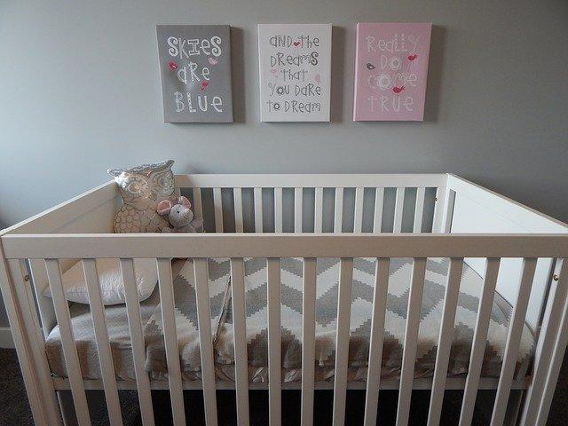 Consejos para elegir un buen colchón para la cuna del bebé