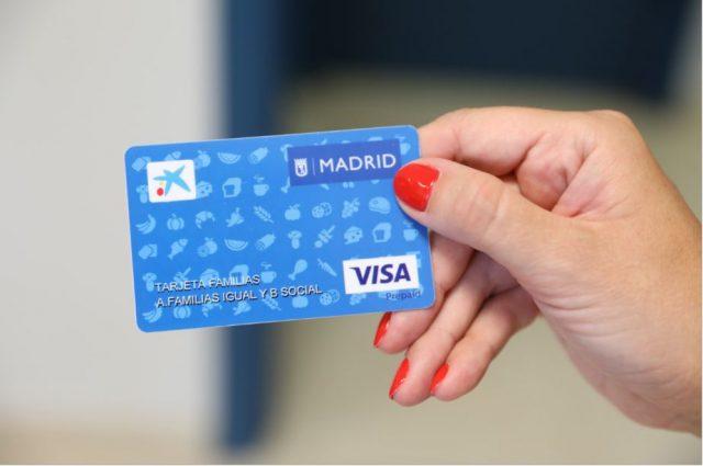Tarjeta familias: nueva ayuda en Madrid para familias vulnerables